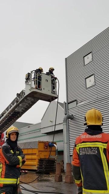 P 1 BDH-02 Gebouwbrand industrie Akervoorderlaan LISSE 161230